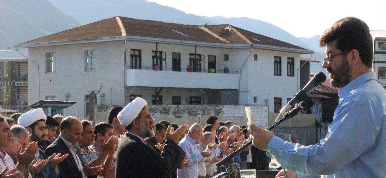 نماز عید فطر در مصلی شهر زیراب امامزاده عبدالحق علیه السلام به امامت امام جمعه شهر زیراب
